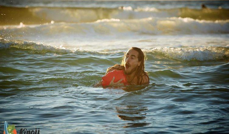 Kingii wearable save drowning inflatable lifebuoy bracelet