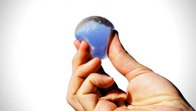 Ooho edible water bottle sustainable replacing pet sodium alginate seaweed calcium chloride